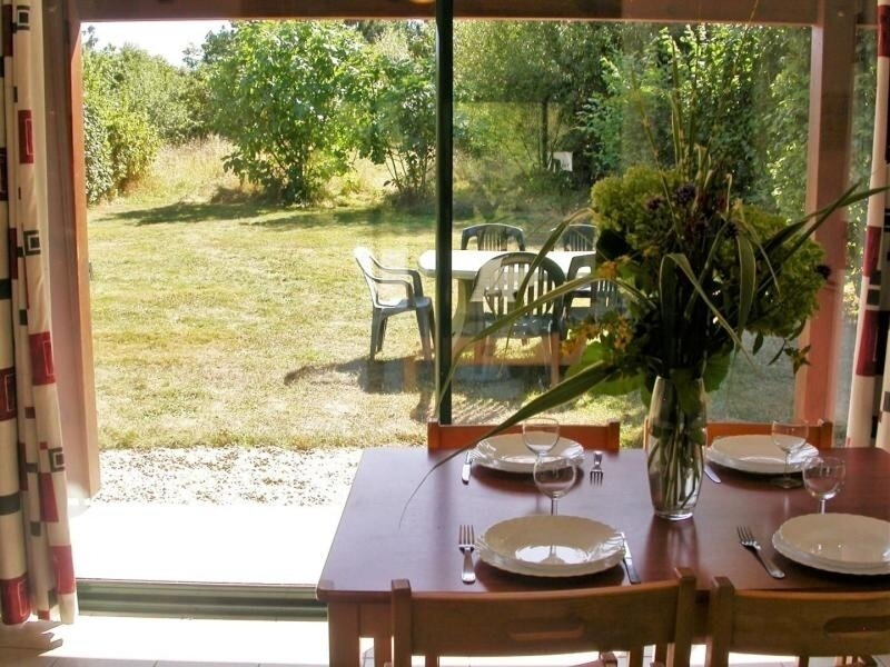 Chalet les Narcisses, holiday rental in Souvigne-sur-Sarthe