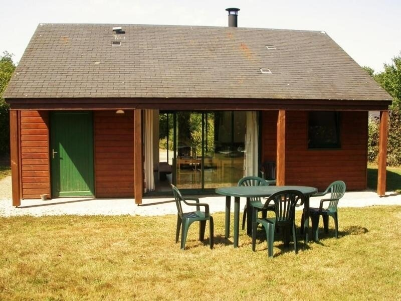 Chalet le Tournesol, holiday rental in Souvigne-sur-Sarthe
