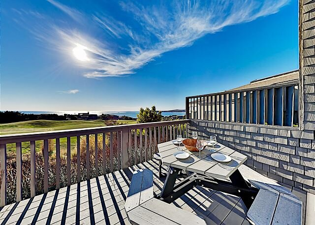 Fairview Grande | Bay Views, Sauna & Private Hot Tub | Walk to Beach & Golf – semesterbostad i Bodega Bay