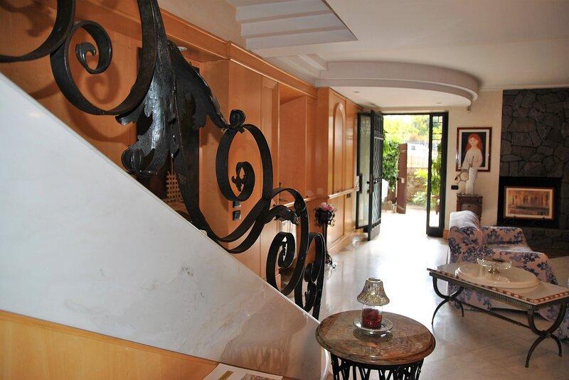 Charming house in Formia, aluguéis de temporada em Trivio