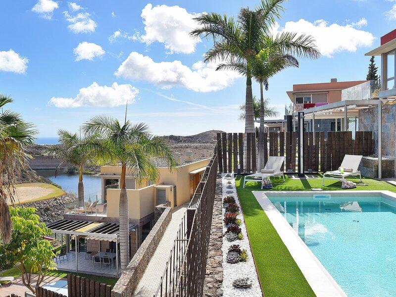 Los Dragos Salobre Golf Villas 4, vacation rental in El Salobre
