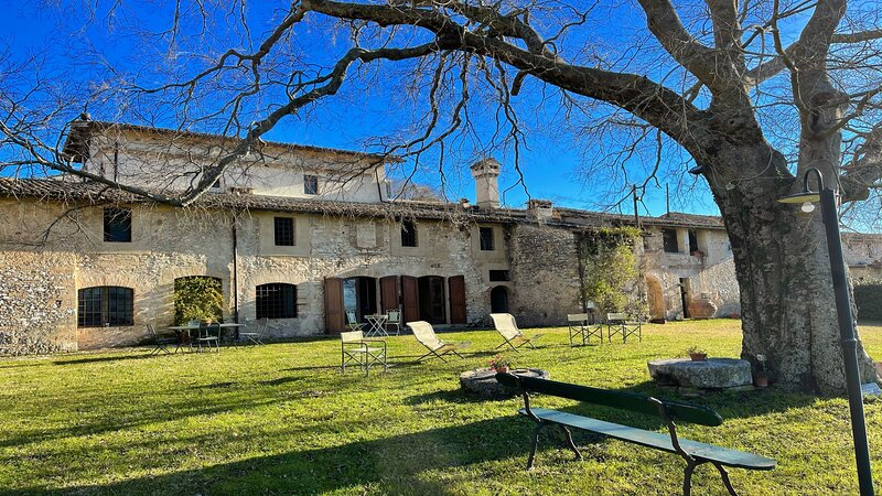 PORETA BIOFARM/5 KMS SPOLETO/1 KM SHOPS+SERVICES1 HR TO ROME/2 S/C APTS - SLPS 8, vacation rental in San Giacomo