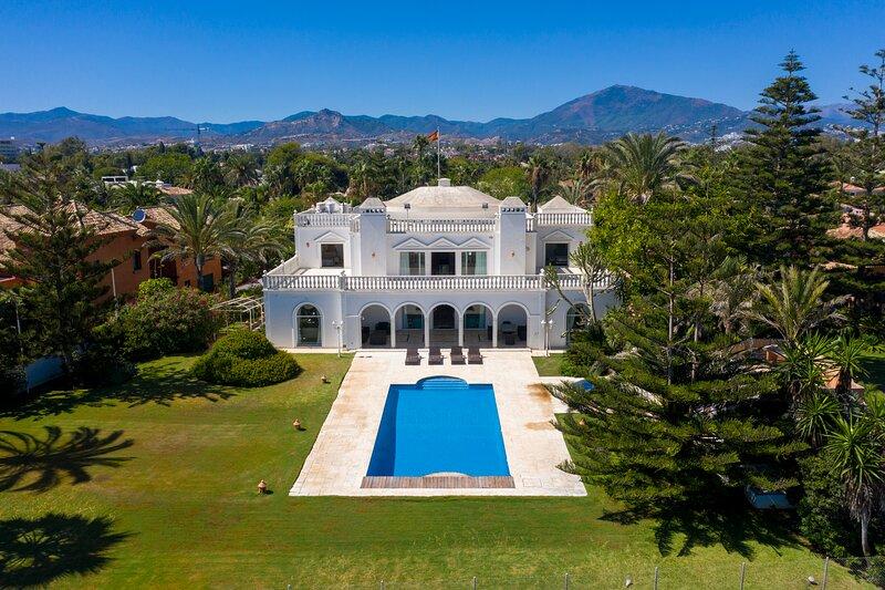 The Palace Marbella - Beachfront Villa, vacation rental in San Pedro de Alcantara