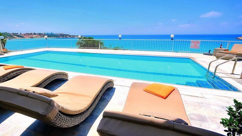 Katina Beach Villa, vacation rental in Peyia