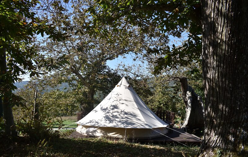 Glamping tent 2, holiday rental in Roccalbegna