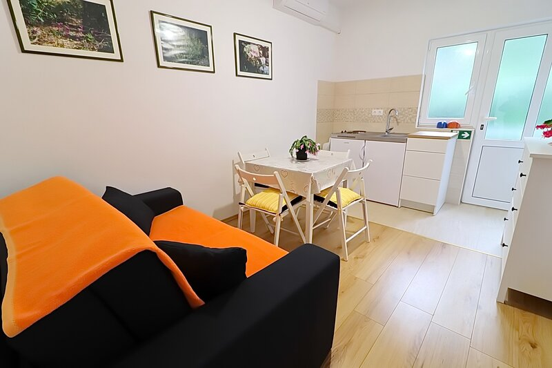Apartments Nodilo - Comfort One Bedroom Apartment, holiday rental in Polace