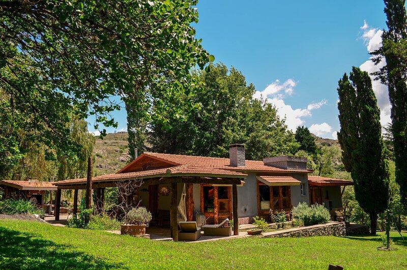 Donde los cóndores tienen su casa, también la tuya, holiday rental in Falda del Carmen