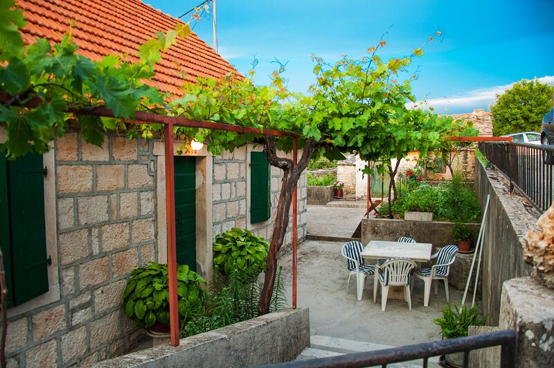 Holiday Home Noa - Holiday home with Garden Terrace (ST), vacation rental in Skrip