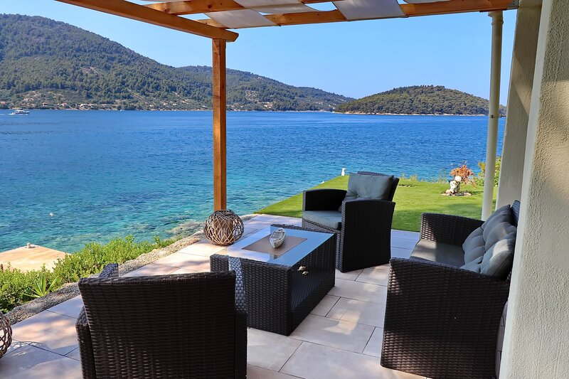 Holiday Home Bili Žal - Two Bedroom Holiday Home with Terrace and Sea View, holiday rental in Vela Luka