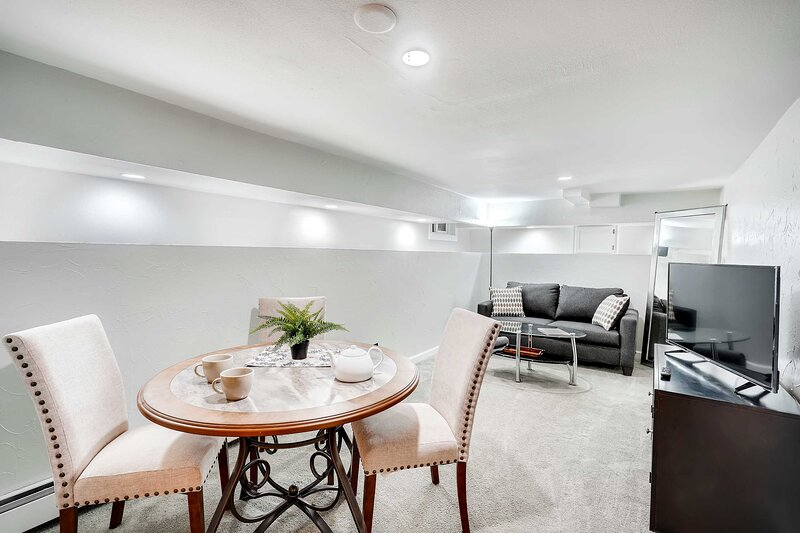 NEW! Modern Denver Apartment: Walk to Dine & Shop!, holiday rental in Denver
