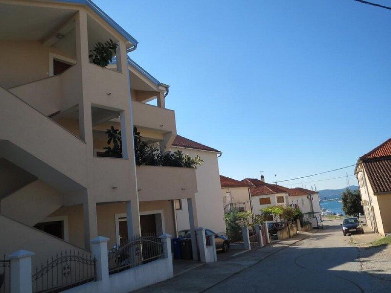 Ena - near marina 'Kornati': A2(2) - Biograd, vacation rental in Biograd na Moru