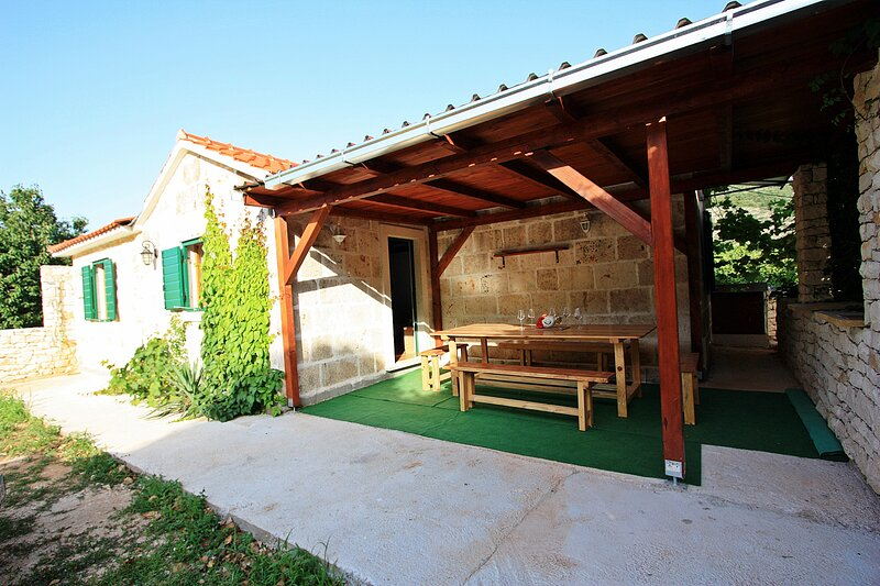 Holiday Home Harmony - Holiday Home with Terrace, holiday rental in Dol