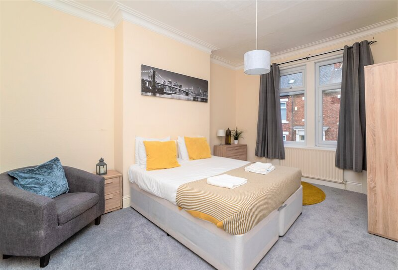 Comfortable 3 Bed Flat Close to Train Station + free Netflix, location de vacances à Whitley Bay