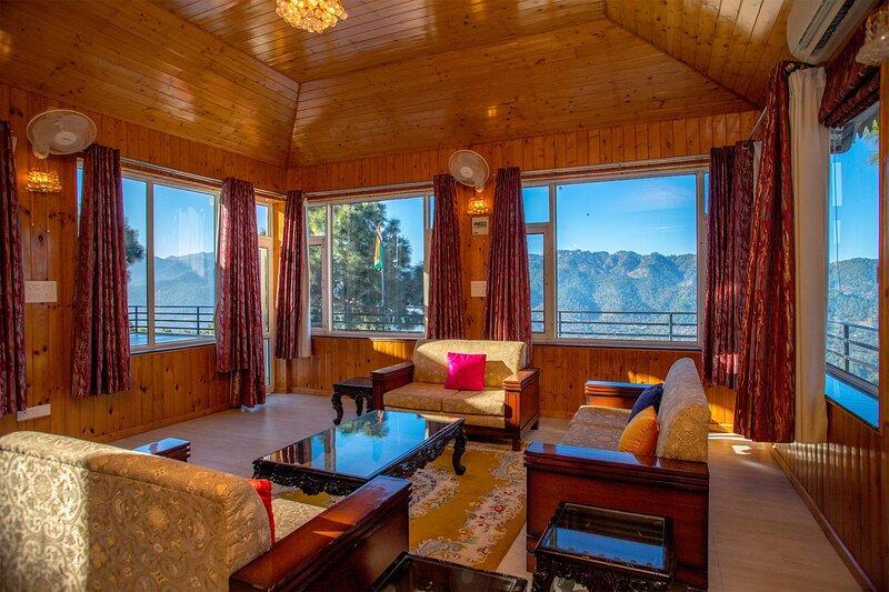 Villa Woodside Meadows by Vista Rooms, holiday rental in Salogra
