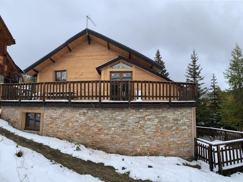 Super Chalet tout neuf  ski aux pieds 200m, holiday rental in Vars