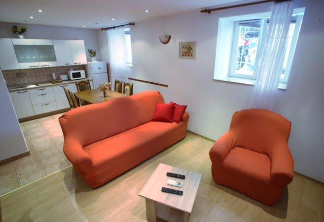 Apartment Tomislav  - Two Bedroom Apartment, holiday rental in Strigova