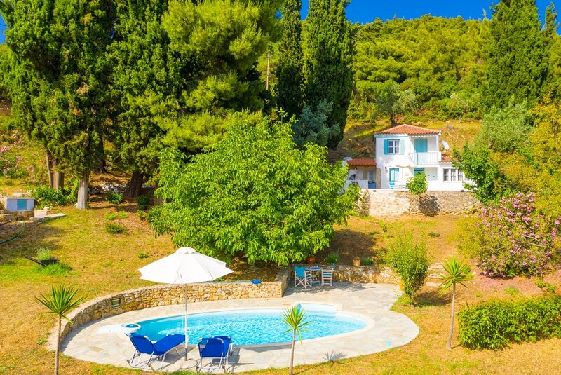 Michaels Cottage, holiday rental in Stafylos