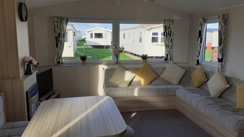 Superb 8 berth caravan for hire on Skipsea Sands park in Yorkshire  ref 41332NF, holiday rental in Barmston