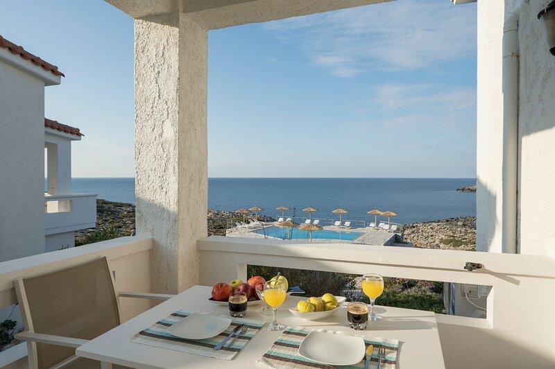 Kiani Seafront Maisonette, Unique Ocean View!, alquiler vacacional en Stavros