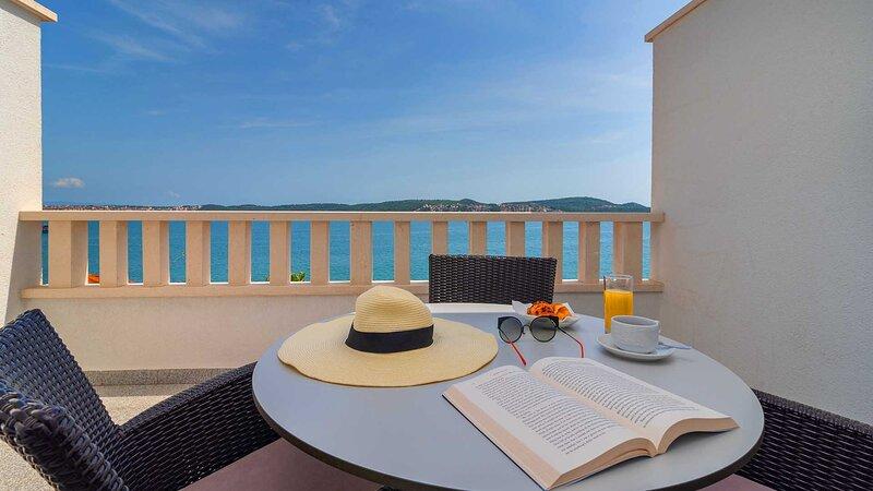 Stylish holiday apartment Dalia II. (301) near beach - EOS CROATIA, casa vacanza a Donji Seget