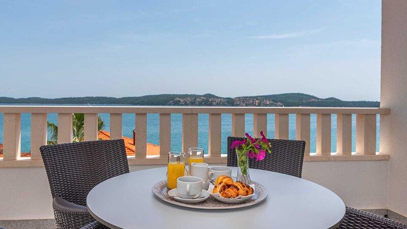 Charming holiday apartment Dalia II. (401) - EOS CROATIA, casa vacanza a Donji Seget