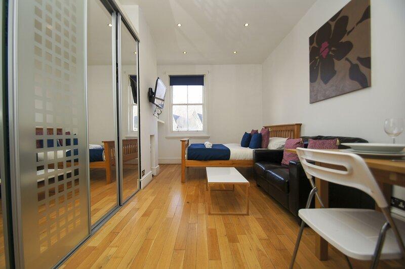 Cambridge Road Studio, holiday rental in Shoreham-by-Sea