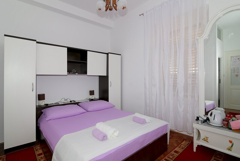 Room & Studios Rina - Double Room with Patio and Sea View, holiday rental in Sumet