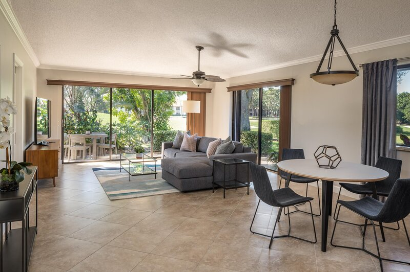 PGA National Resort and Spa - Two Bedroom Cottage King, holiday rental in Loxahatchee