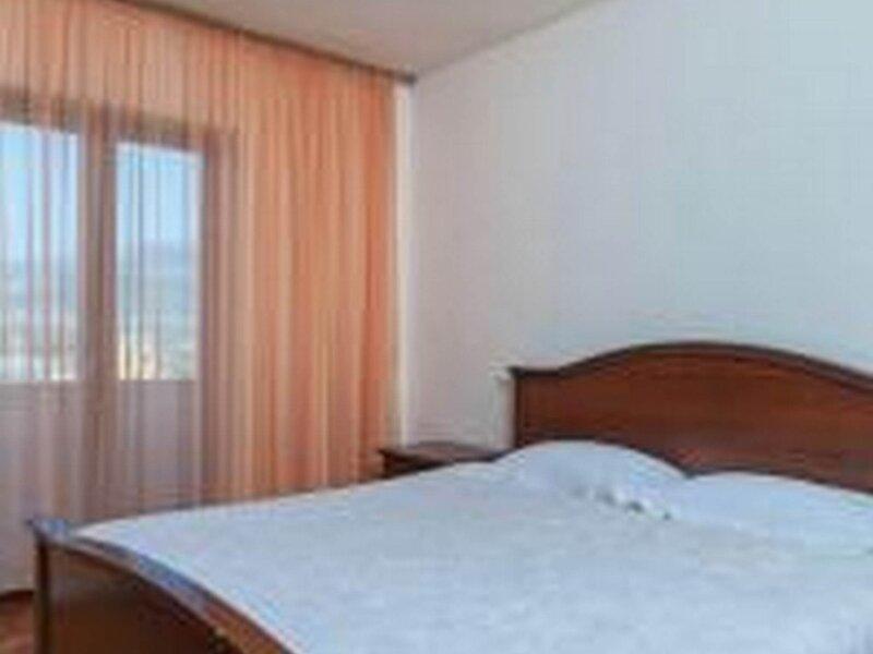 Apartments Tomić  - Three Bedroom Apartment with Balcony, aluguéis de temporada em Kamen