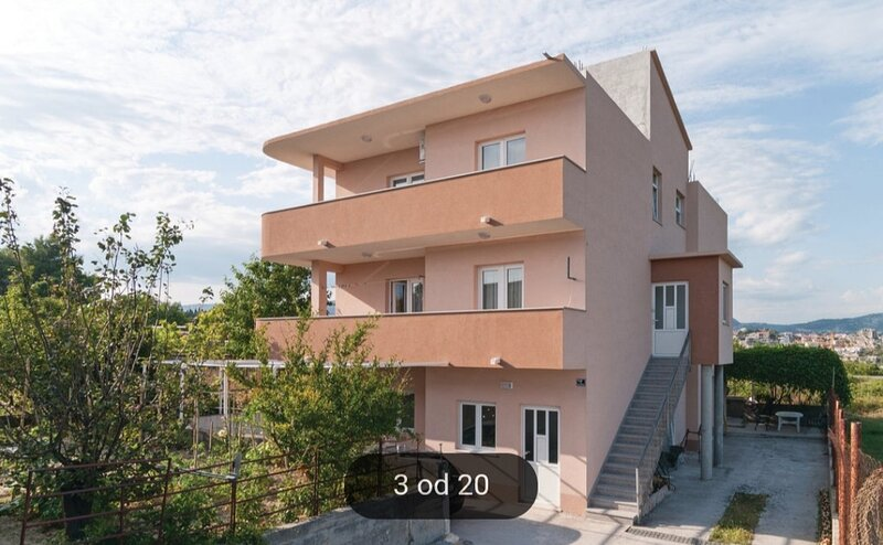 Apartments Tomić  - Two Bedroom Apartment with Balcony, holiday rental in Kamen