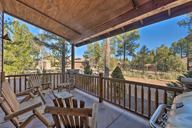 Show Low Vacation Rental | 3BR | 3BA | 2-Story Cottage