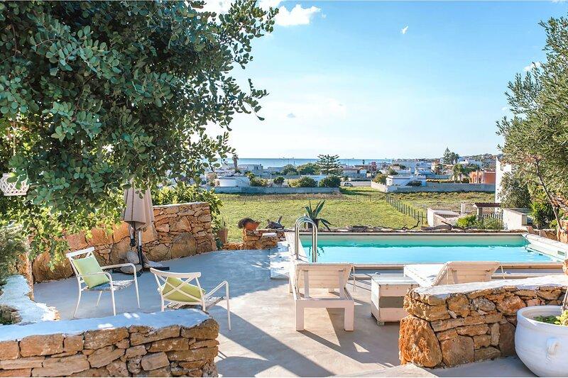Villa La Rezza, holiday rental in Monacizzo-Librari-Truglione