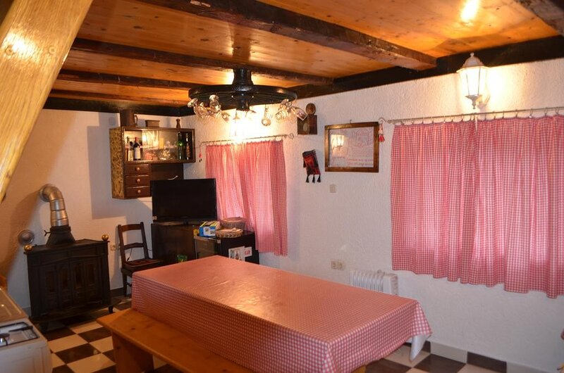 Holiday home Stara Lika - Two Bedroom Holiday Home with Terrace, holiday rental in Gospic