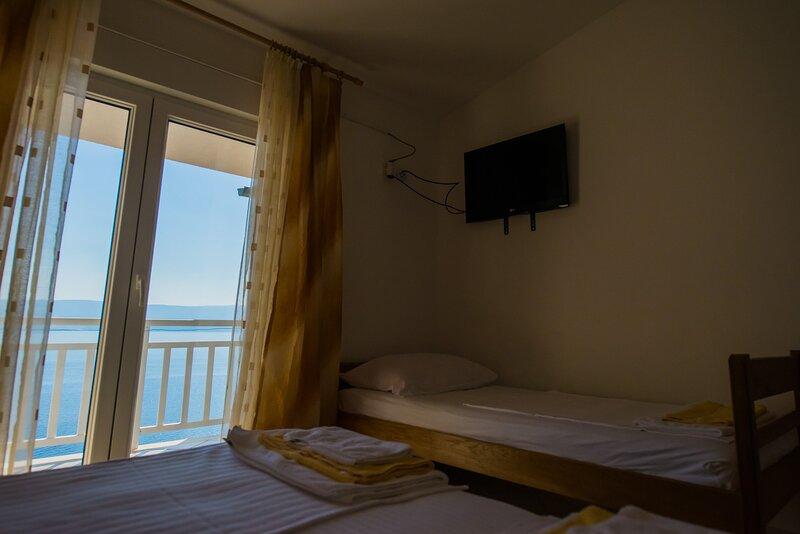 Villa Katarina - Triple Room, vacation rental in Ruskamen
