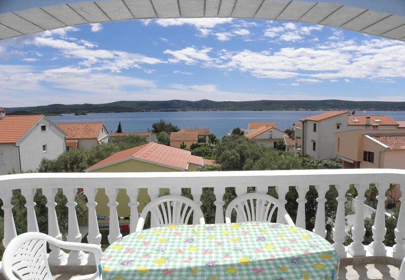 Vese - 100 m from beach: A4(2+2) - Sveti Petar, holiday rental in Sveti Petar