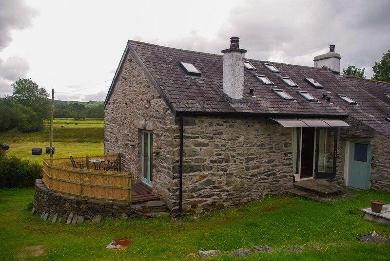 Syke Barn - Beautifully refurbished two-bedroom cottage in an idyllic setting., casa vacanza a Backbarrow