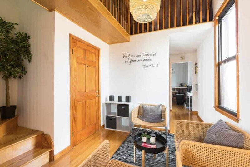 Authentic and luminous duplex Brooklyn, NY, aluguéis de temporada em Ridgewood