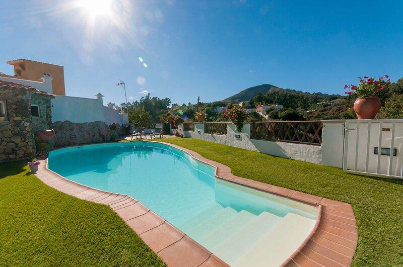 House - 2 Bedrooms with Pool - 106798, aluguéis de temporada em Firgas