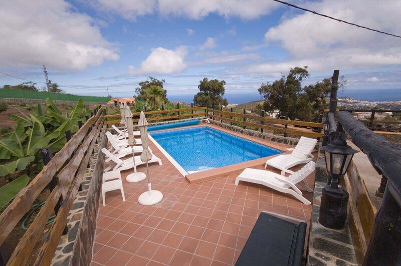 House - 5 Bedrooms with Pool - 106806, aluguéis de temporada em Firgas