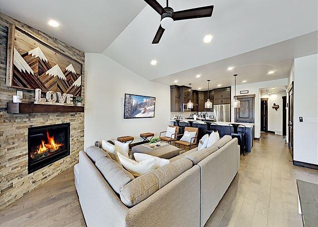 Black Rock Ridge Luxury New-Build | Mountain Views, Near Trails & Slopes, location de vacances à Peoa