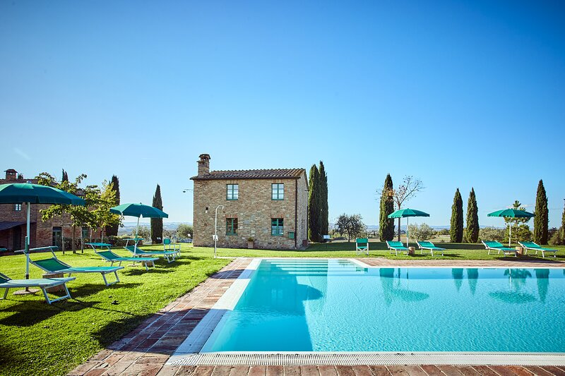 BELVEDERE, Panoramic Loft with Pool, 2-4 Guests, vacation rental in Vergelle