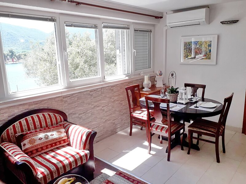 Apartment Rita - One Bedroom Apartment, holiday rental in Ston