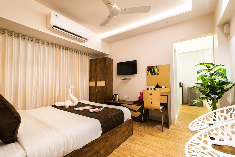 Rustic Studio -Easily access from Borivali station, alquiler de vacaciones en Thane