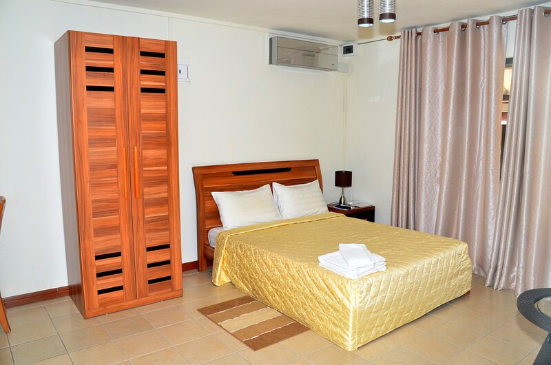 Fully equipped and autonomous apartments 2 pers for exciting holidays near Beach, location de vacances à Cascavelle