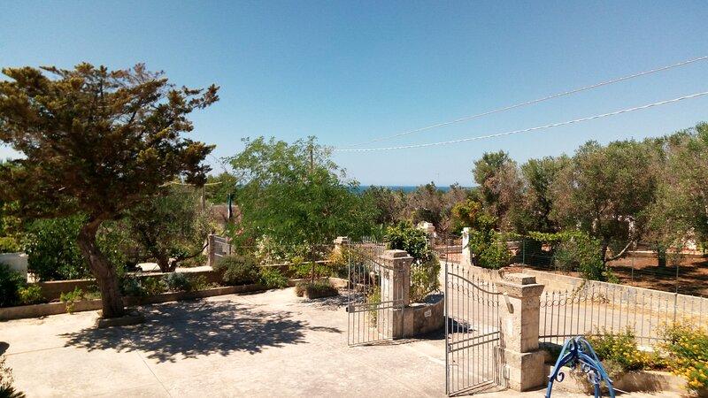 UN ANGOLO DI PARADISO TRA MARE E NATURA, holiday rental in Torre Pali
