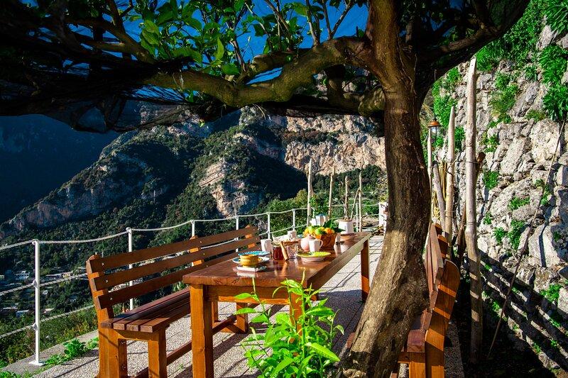 Casa Barba Positano,breathtaking views, homemade breakfast included, alquiler de vacaciones en Positano