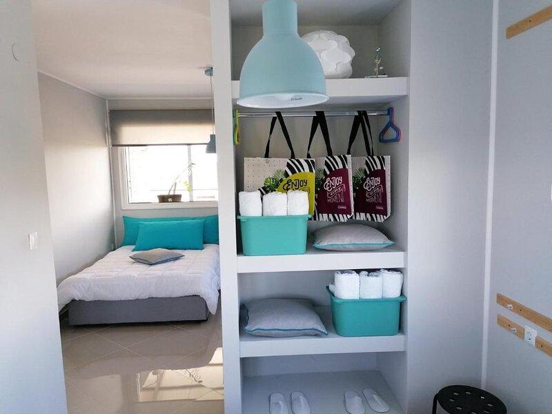 Superior Suite close to the beach, location de vacances à Nea Triglia