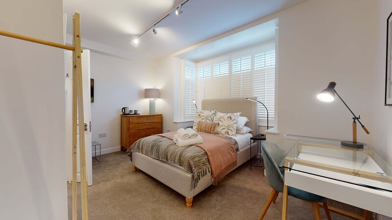 Oxford city centre home sleeps 12, vacation rental in Botley