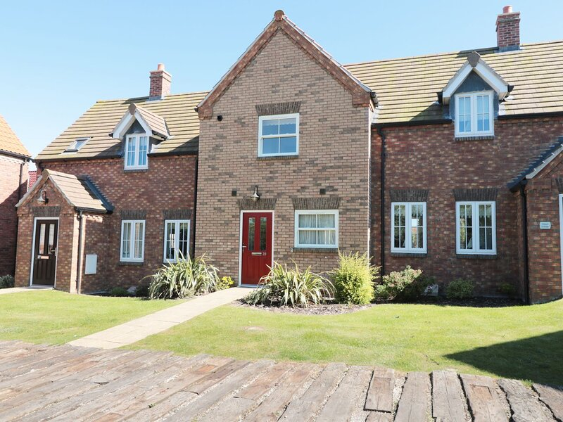 Buck Place, The Bay - Filey, holiday rental in Reighton