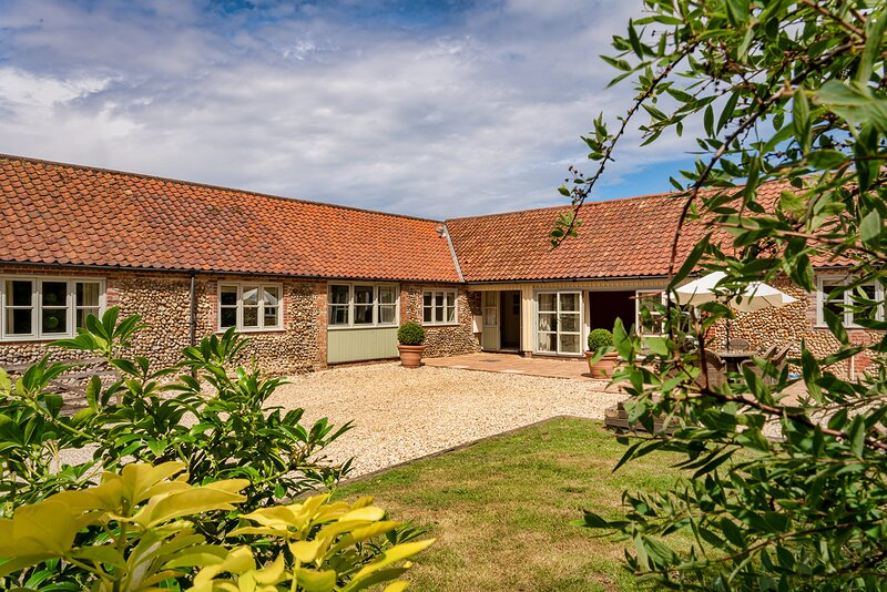 Tern Place is a Stunning Single Storey, accessible retreat in North Norfolk, vacation rental in Kelling